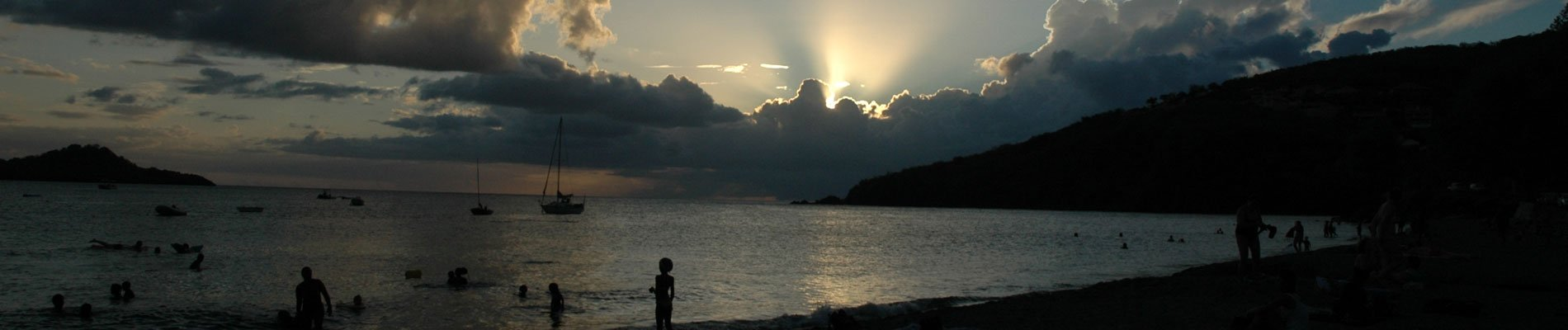 guadeloupe-zonsondergang-plage-malendure-1900x400.jpg